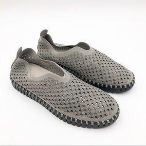 Isle Jacobsen Tulip 139 Perforated Slip-On Sneaker